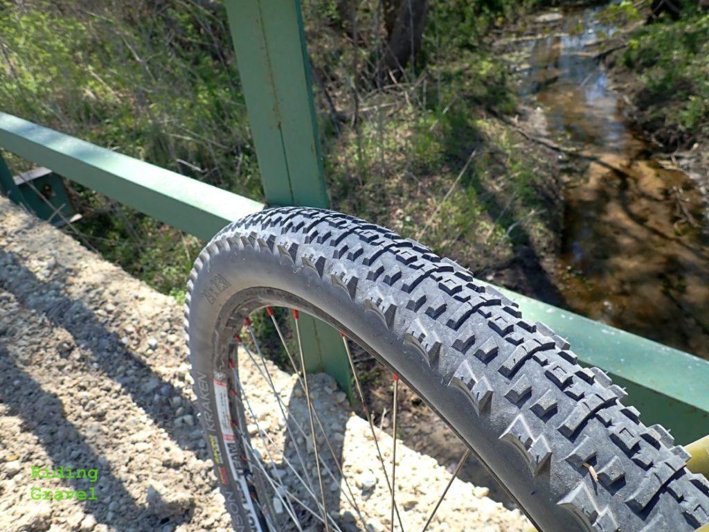 Hutchinson Kraken tire