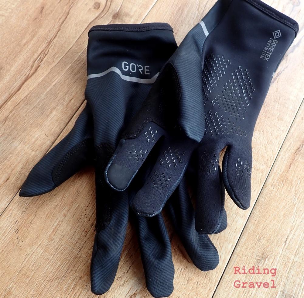 A pair of GORE-Tex Infinium Stretch Mid-Gloves