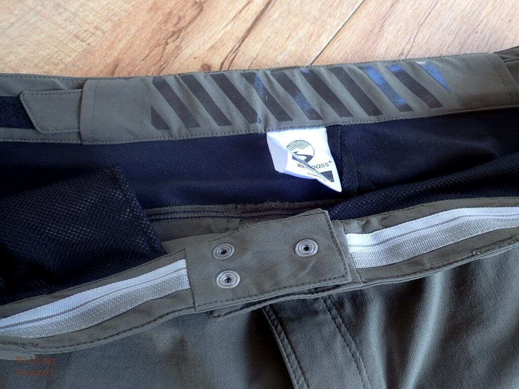Detail shot of the inner, adjustable, waist band on the Gravel Shorts with silicone gripper material to prevent the shorts from creeping down.